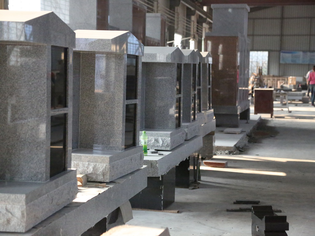 4 niches cremation columbarium